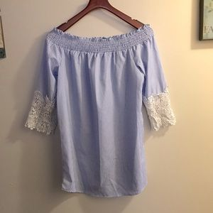 Rue21 NWOT Off Shoulder Flowy Top with Lace